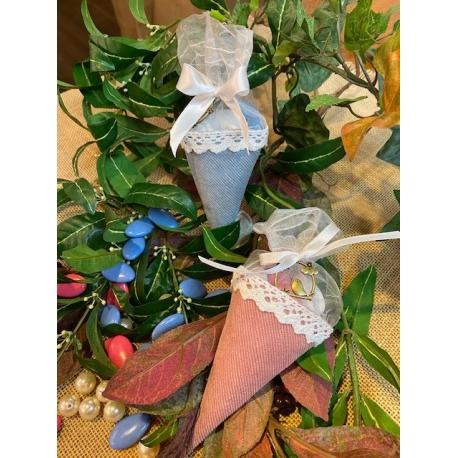 10 cornets tissus velours rose ou bleu dentelle blanche